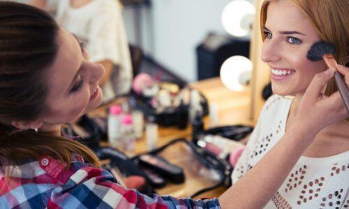 Du học Úc ngành Makeup – có nên không?