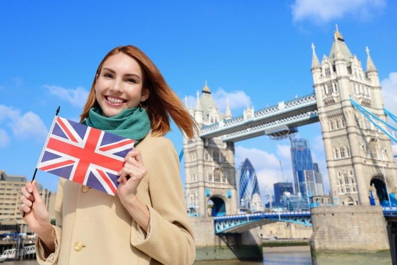 Nếu đang sinh sống tại Vương Quốc Anh và có thị thực hết hạn sẽ được tiếp tục gia hạn trong thời gian dịch