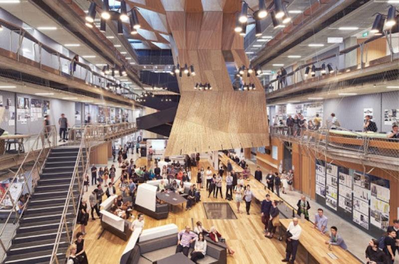 Tọa lạc tại thành phố Melbourne là Trung tâm sinh viên quốc tế