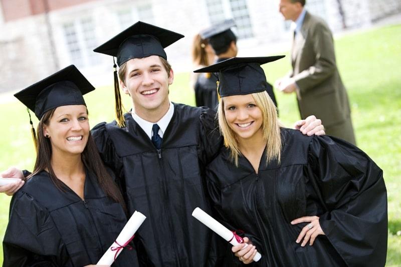 Trong quá trình lựa chọn chương trình học, các bạn cần đưa ra hai nguyện vọng thuộc cùng một ngành ở hai trường đại học khác nhau