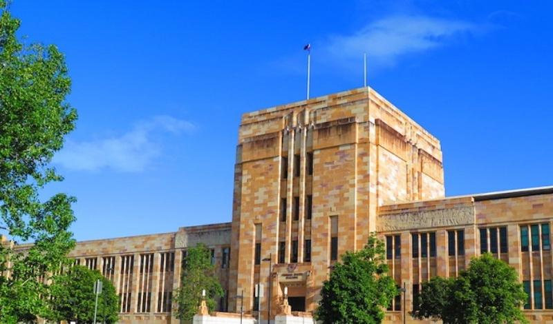 Đại học Queensland là cái nôi Luật, Kinh tế, Nghệ thuật, Kiến trúc, Thương mại, Kĩ sư và Công nghệ thông tin, Khoa học và Khoa học Xã hội Y khoa, và Đạo đức học.