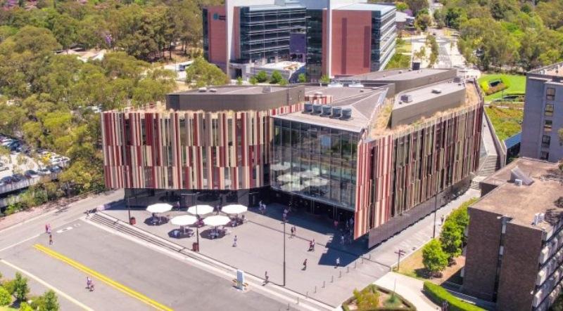 Đại học Macquarie, hơn 1.8 triệu đầu sách khác nhau