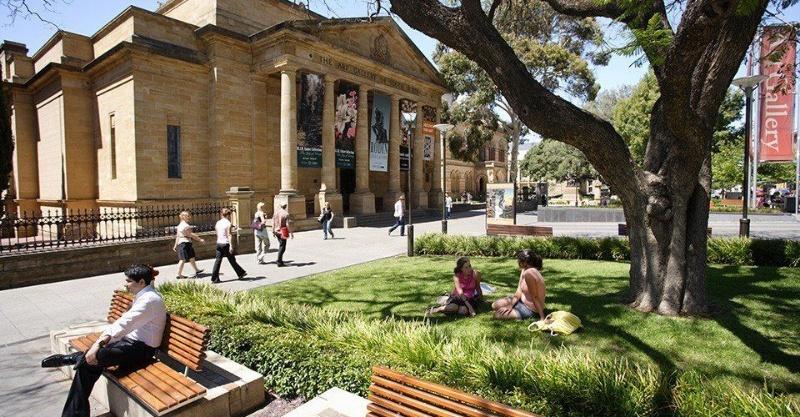 Học viện Kinh doanh và Công nghệ Nam Úc (SAIBT) nằm ở trung tâm của Adelaide