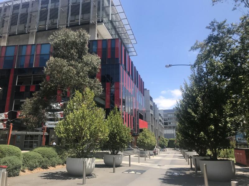 Đại học Công nghệ Swinburne nổi tiếng với chất lượng giáo dục cung cấp cho sinh viên được xếp hạng năm sao