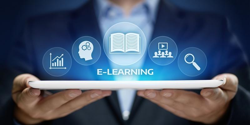Sinh viên SIBT thoải mái lựa chọn giữa mô hình học trực tuyến hoặc trực tiếp.