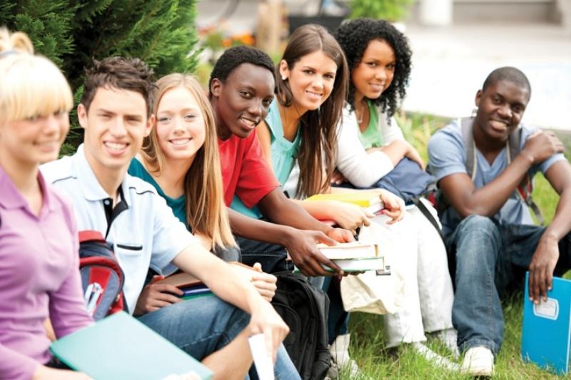 Để giúp du học sinh quốc tế tích lũy kinh nghiệm, các khóa Quản lý ở Úc sẽ gửi sinh viên đi thực tập tại công ty bản địa hay cho tham gia các chương trình trao đổi sinh viên quốc tế.