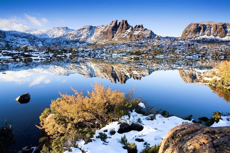 Tasmania mang lại tất cả trải nghiệm du lịch ao, hồ, núi, rừng,...