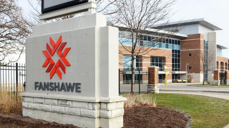 Trường cao đẳng Fanshawe đã tổ chức được hơn 200 chương trình cấp bằng, chứng chỉ và cả những chương trình cấp giấy chứng nhận.