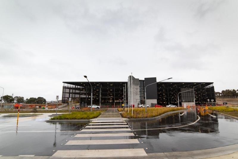 Cộng đồng Đại học Canberra gồm cả Sinh viên UC College.