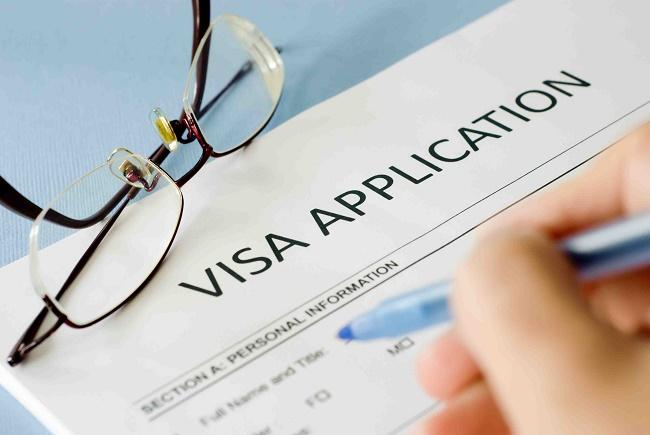 Nộp hồ sơ xin visa du học Anh